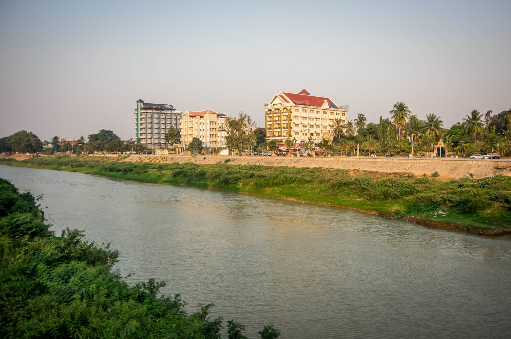 hotels on river