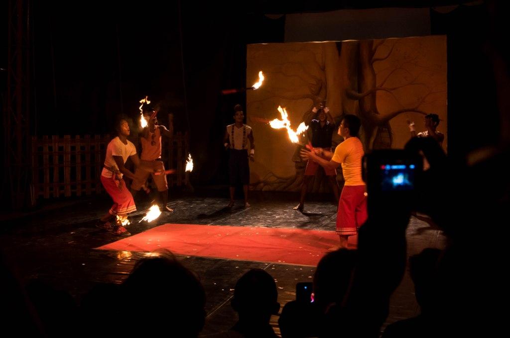 circus juggling 1